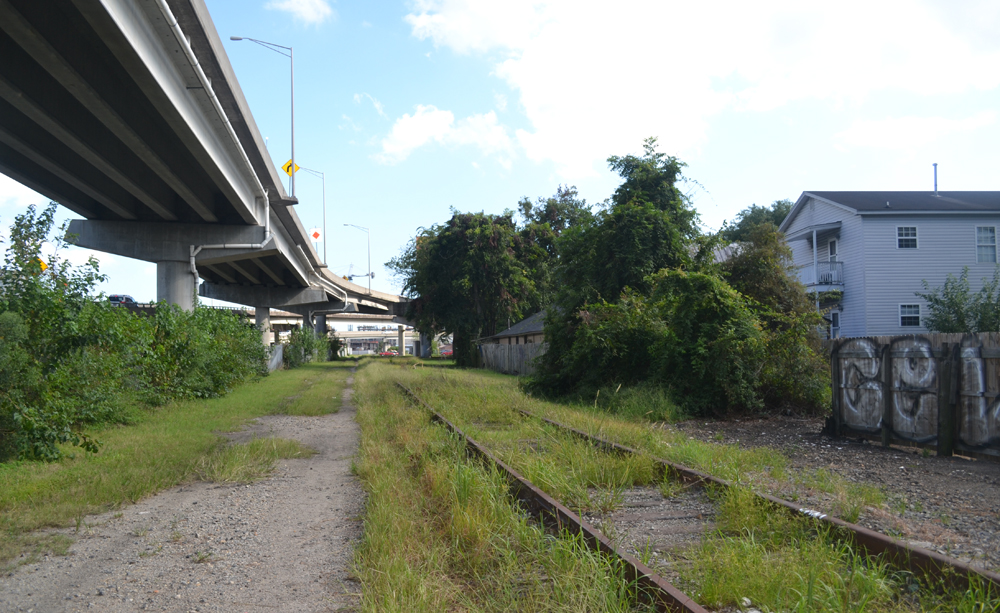 Interstate 26, the rail line and a well-worn walking path run parallel to each other into downtown Charleston. The Lowcountry Low Line would be a 1.7-mile linear park running from Cortland Avenue to Woolfe Street, and perhaps beyond. (Photo/Liz Segrist)