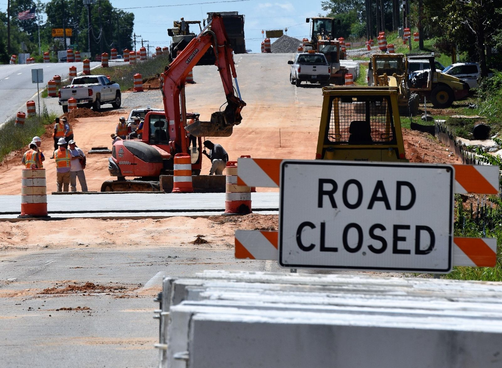 Workers make progress on rebuilding a stretch of U.S. 378 in Richland County. (Photo/Chuck Crumbo)